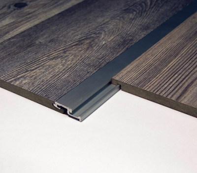 ist es m glich einzelne laminat paneele auszutauschen. Black Bedroom Furniture Sets. Home Design Ideas